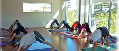Kim-yoga-2-400
